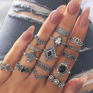 15 Pc Black and Silver Ring Set